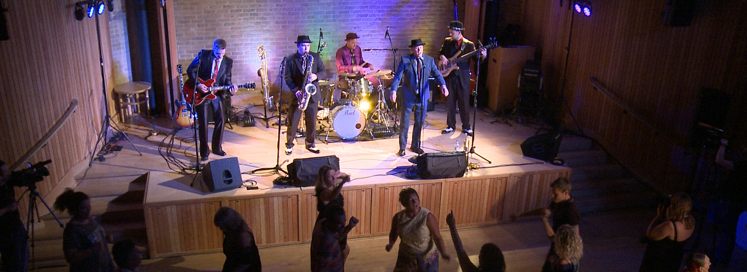 Multi-camera live shoot bursting with swing, jive and rock n' roll music from the superb Goosebumps band!